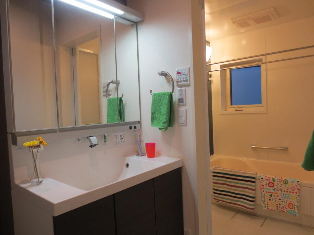 洗面と浴室